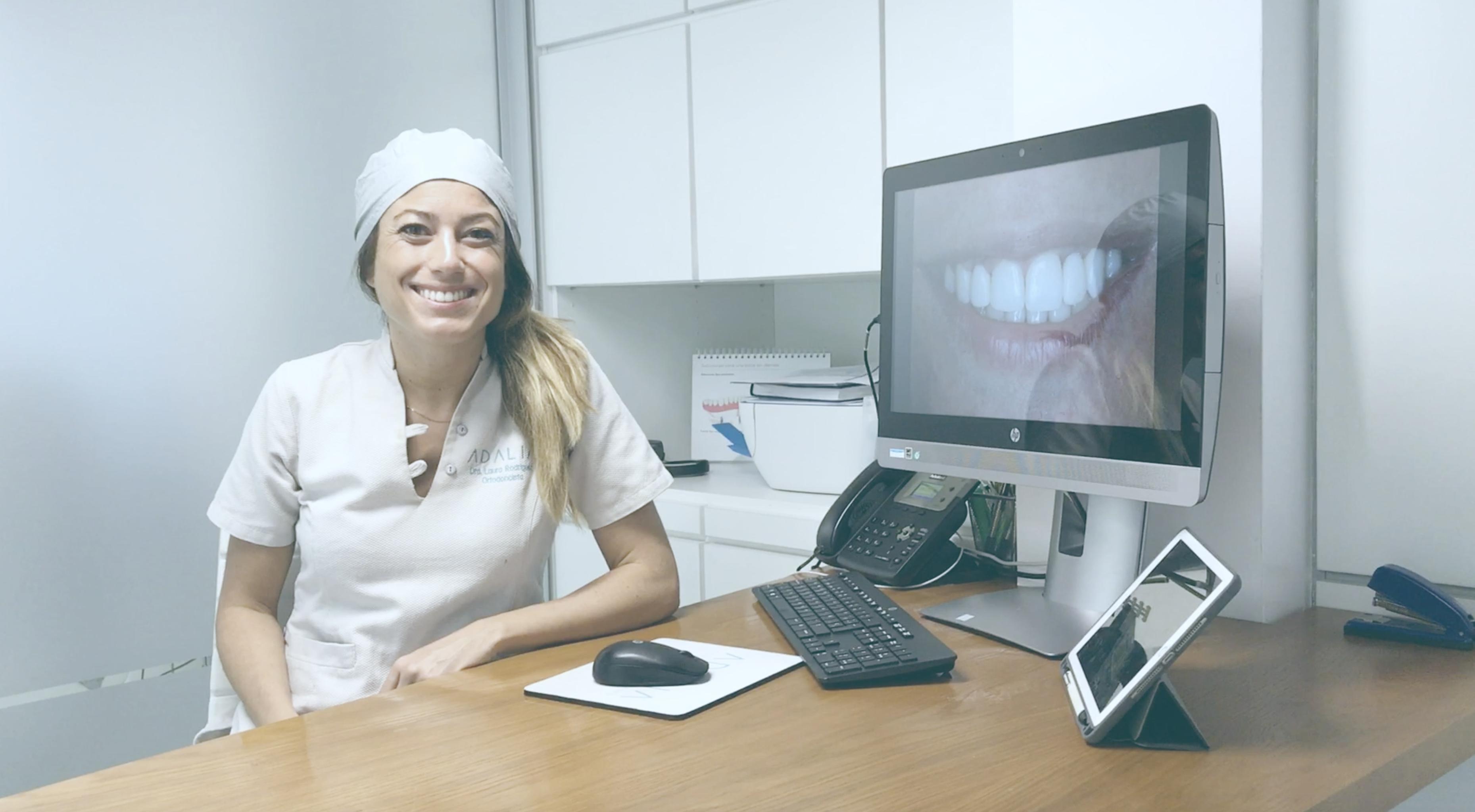 Dra. Laura Rodríguez especialista en ortodoncia en Clínica Dental Adalia