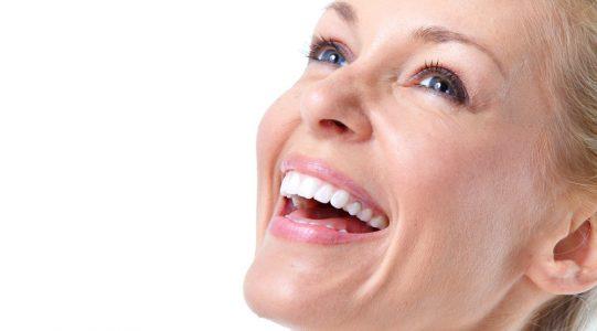 implante-dental-2 en Clínica Dental Adalia